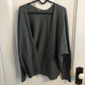 AE Grey slouchy sweater